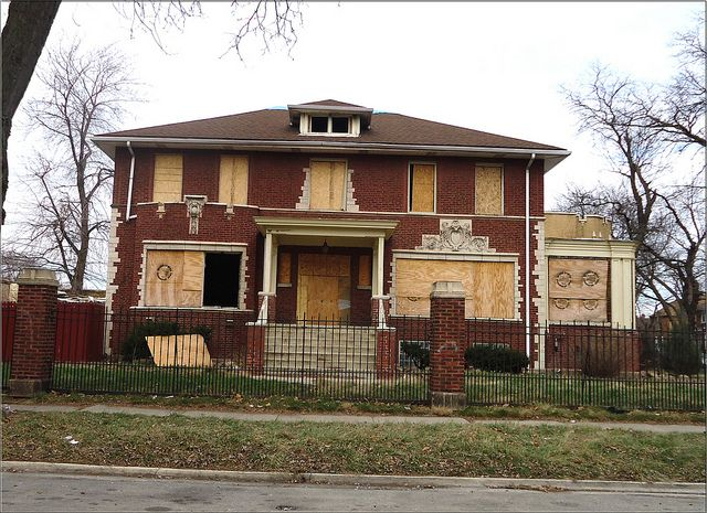 Mending A Broken City: saving Chicago's houses